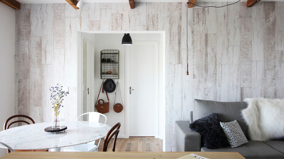 papel de parede para apartamentos pequenos listras verticais