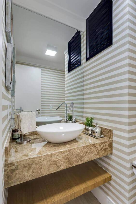 papel de parede para banheiro listrado