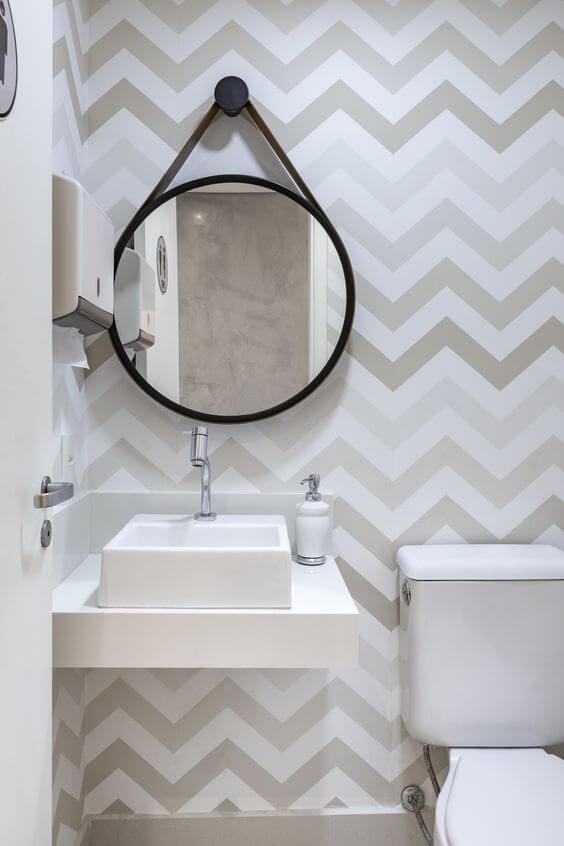 papel de parede para banheiro listrado prata